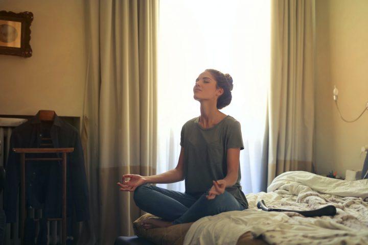4 Ontspannende yoga houdingen voor beginners